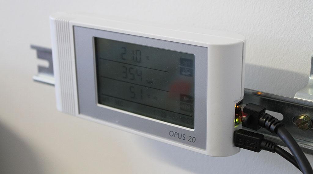 Datenlogger Opus20 im PCE Instruments Labor