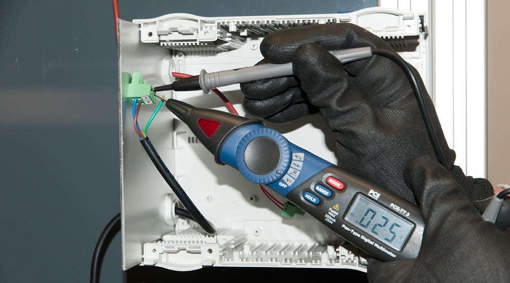 Stiftmultimeter PCE-TT 3 Spannungstest